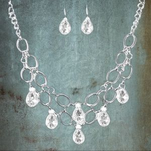 Show Stopping Shimmer Teardrop Necklace Set
